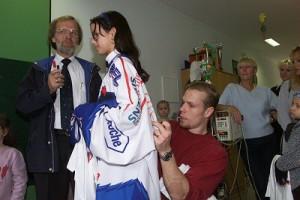 presse_spendenuebergabe2001_04